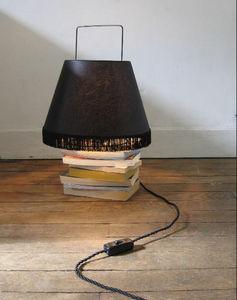 La Corbeille Editions - abatladeur moyen modèle noir - Table Lamp