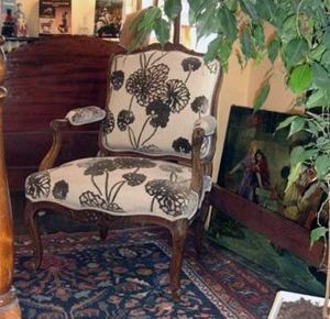 Grand Papa Antiquites -  - Flat Back Armchair