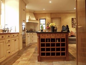 Howdle Bespoke Furniture Makers - painted kitchen - Traditional Kitchen