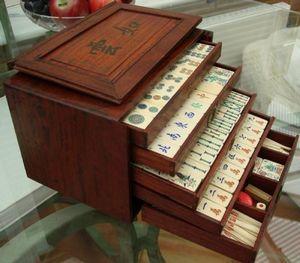 Serpentine Antiques -  - Mahjong Set