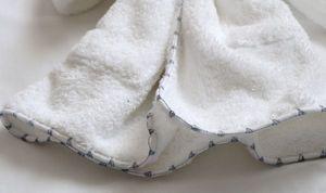 PRETTY LINGE -  - Towel