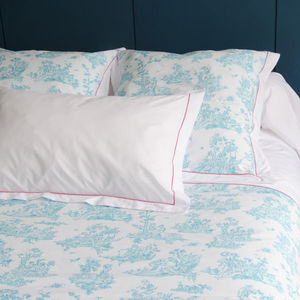 DIVINE MARQUISE - badinage - Bed Sheet