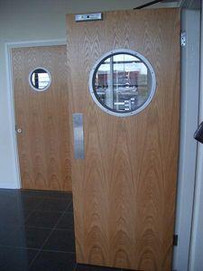 Door Oculus
