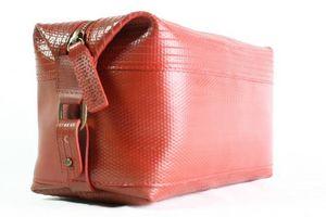 ELVIS AND KRESSE -  - Toiletry Bag