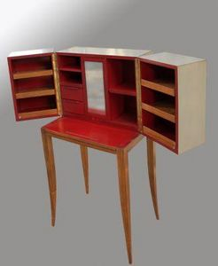 Lawrens -  - Dressing Table