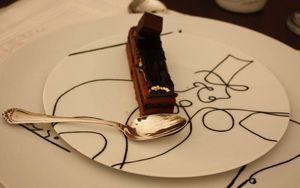 MARC DE LADOUCETTE PARIS - cheval et dompteur - Dessert Plate