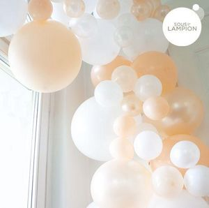 SOUS LE LAMPION - peach - Inflatable Ball