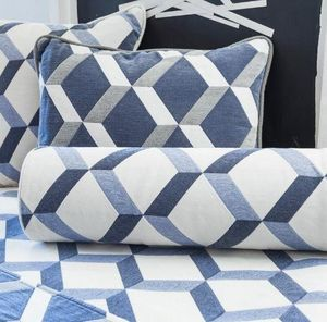 Ybarra & Serret - blue square - Square Cushion