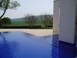 GUNCAST SWIMMING POOLS -  - Conventional Pool