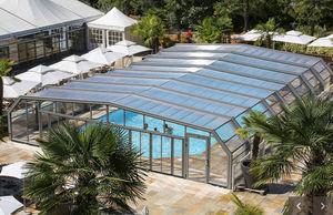Large pool enclosure for professionals