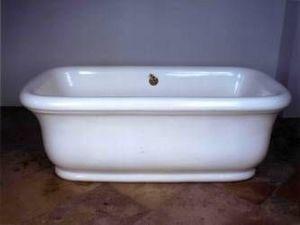 Volevatch -  - Freestanding Bathtub