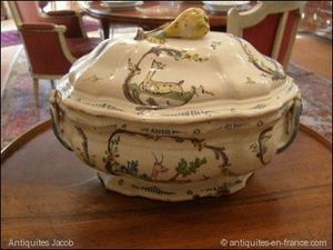 ANTIQUITES JACOB -  - Soup Tureen