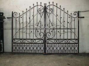 France Distribution -  - Casement Gate