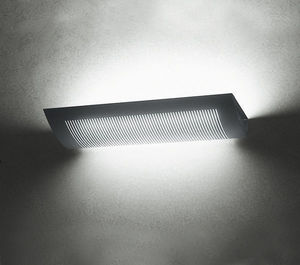 Metalmek - sole parete uplight - Office Sconse