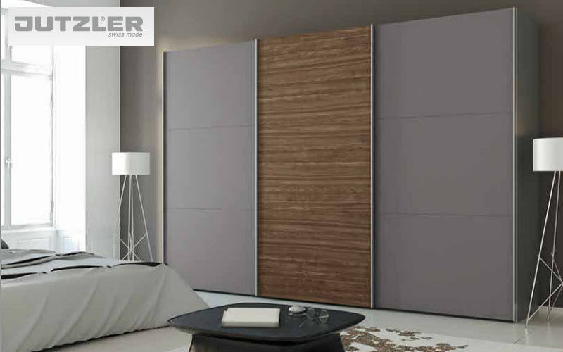 schrank mit schiebet r schr nke decofinder. Black Bedroom Furniture Sets. Home Design Ideas