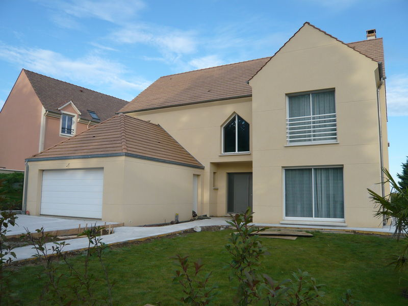 LE BAIL Einfamilienhäuser Häuser  |
