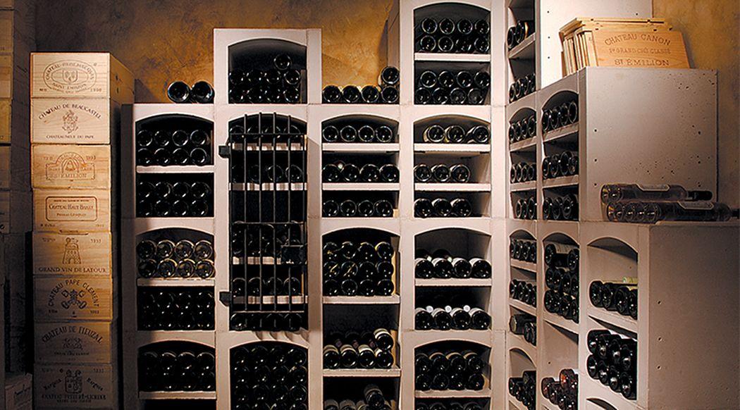 Vinis Weinfach Keller Ausstattung  |