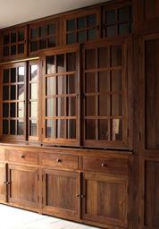Matahati - vitrine - Bibliothek
