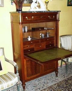 Boutique Antiquidees -  - Sekretär