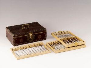 Dario Ghio Antiquites -  - Besteckkasten