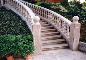 Patmas International -  - Außentreppe