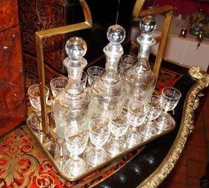 Art & Antiques - service à liqueur du xixe - Likörschrank