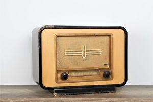 A.BSOLUMENT -  - Radio