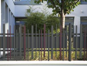 Lippi - stem wall - Gitterzaun