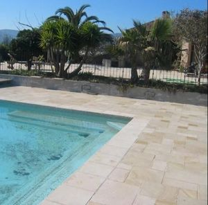 TENDANCE PIERRE - aménagement de piscine en chanceaux - Schwimmbeckenrand