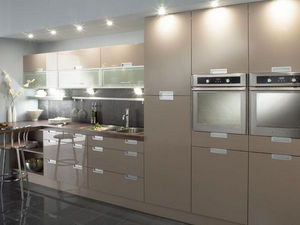 Elite Trade Kitchens -  - Küchenschrank