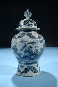 CAVENDISH FINE ARTS -  - Vase
