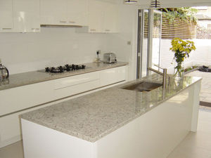 Marble City - white topaziogranite kitchen - Arbeitsplatte