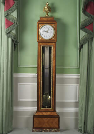F P FINE ART - Standuhr-F P FINE ART-Ormolu-mounted Tulipwood and Amaranth Regulateur