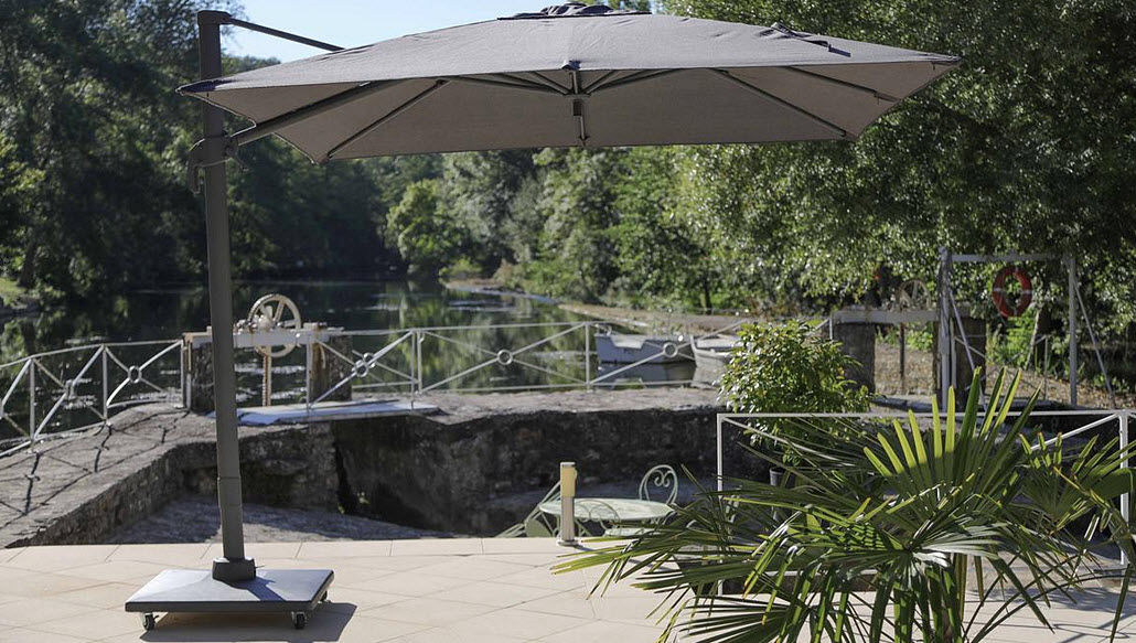 MEDICIS FRANCE Sombrilla con soporte lateral Sombrillas y estructuras tensadas Jardín Mobiliario  |