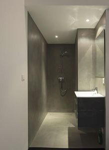Rouviere Collection - micro-béton pour douches à l'italienne - Cemento Pulido Pared