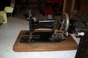 Décoantiq -  - Máquina De Coser