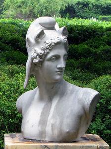 BARBARA ISRAEL GARDEN ANTIQUES - marble bust of perseus - Estatua