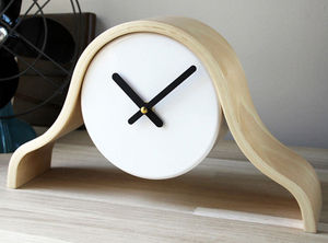 Thelermont Hupton - really simple clock - Reloj De Apoyo