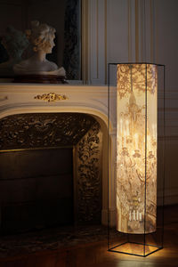 TOUCH OF LIGHT -  - Columna Luminosa