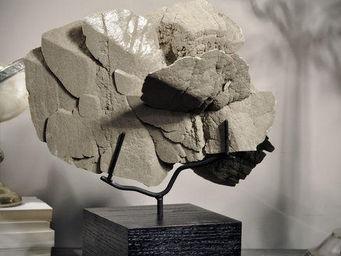 Objet de Curiosite - rose des sables mexique sur socle carré noir - Artículos De Jardín