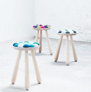 AVEVA-DESIGN - wow stool-- - Taburete