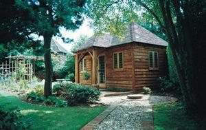 Courtyard Designs -  - Casa Individual