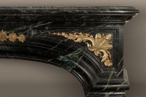 MAISON & MAISON - Campana de chimenea-MAISON & MAISON-Noailles, Cheminée sur mesure en marbre