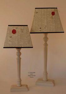 L'ATELIER DES ABAT-JOUR - vintage encyclopédie - Lampada Da Tavolo