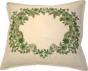 Barbara Coupe - garland of leaves - Cuscino Quadrato