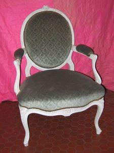 Antiquité-Brocante de la Loire - suite de quatre fauteuils - Poltrona Medaglione