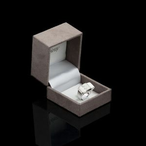 Expertissim - poiray. bague de style tank or blanc et diamants - Anello