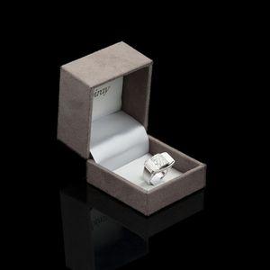 Expertissim - poiray. bague de style tank or blanc et diamants - Anello