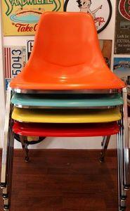 US Connection - set de 4 chaises en résine - Sedia Impilabile