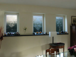 Florent Boissonnet-Glasswork - vitraux triptyque - dans un salon - Vetrata Artistica